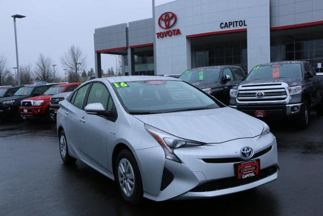 Photo Used 2016 Toyota Prius 5dr HB Two in Salem, OR
