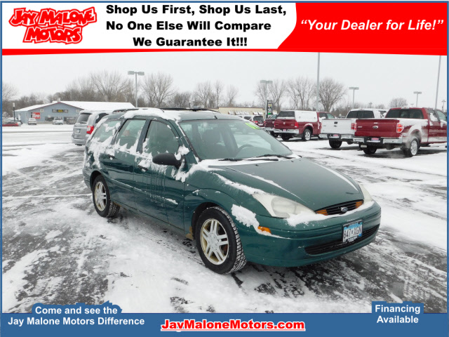 Photo Pre-Owned 2001 Ford Focus Focus FWD SE 4dr Wagon