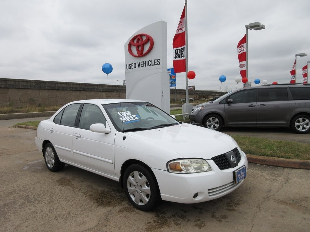 Photo Used 2004 Nissan Sentra 1.8 S Sedan FWD For Sale in Houston