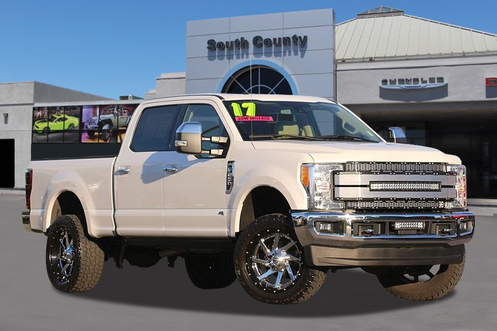 Photo Used 2017 Ford F-250 Lariat Crew Cab in Gilroy, CA