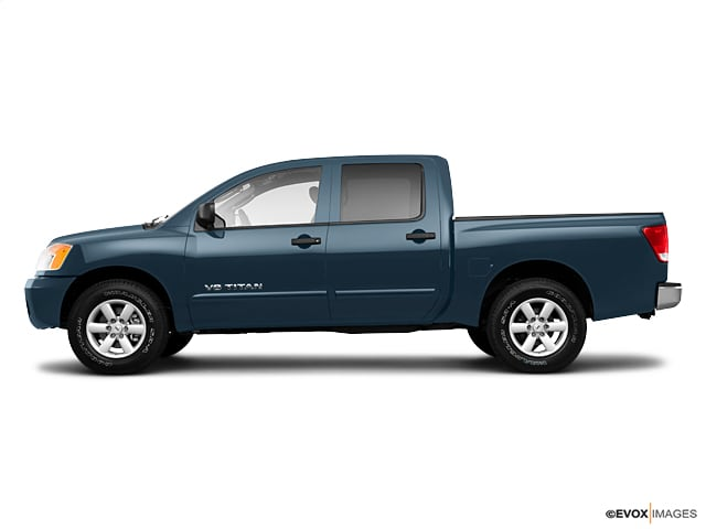 Photo Used 2010 Nissan Titan LE Truck Crew Cab in Fairfield CA