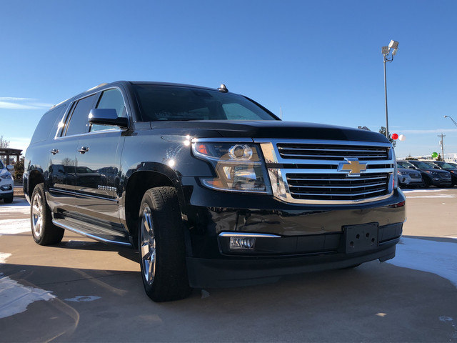 Photo Used 2017 Chevrolet Suburban 4x4 BUCKET SEATS LEATHER NAV ROOF ONLY 35K MILES in Ardmore, OK