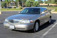 2003 Lincoln Town Car Executive 4-Speed Automatic