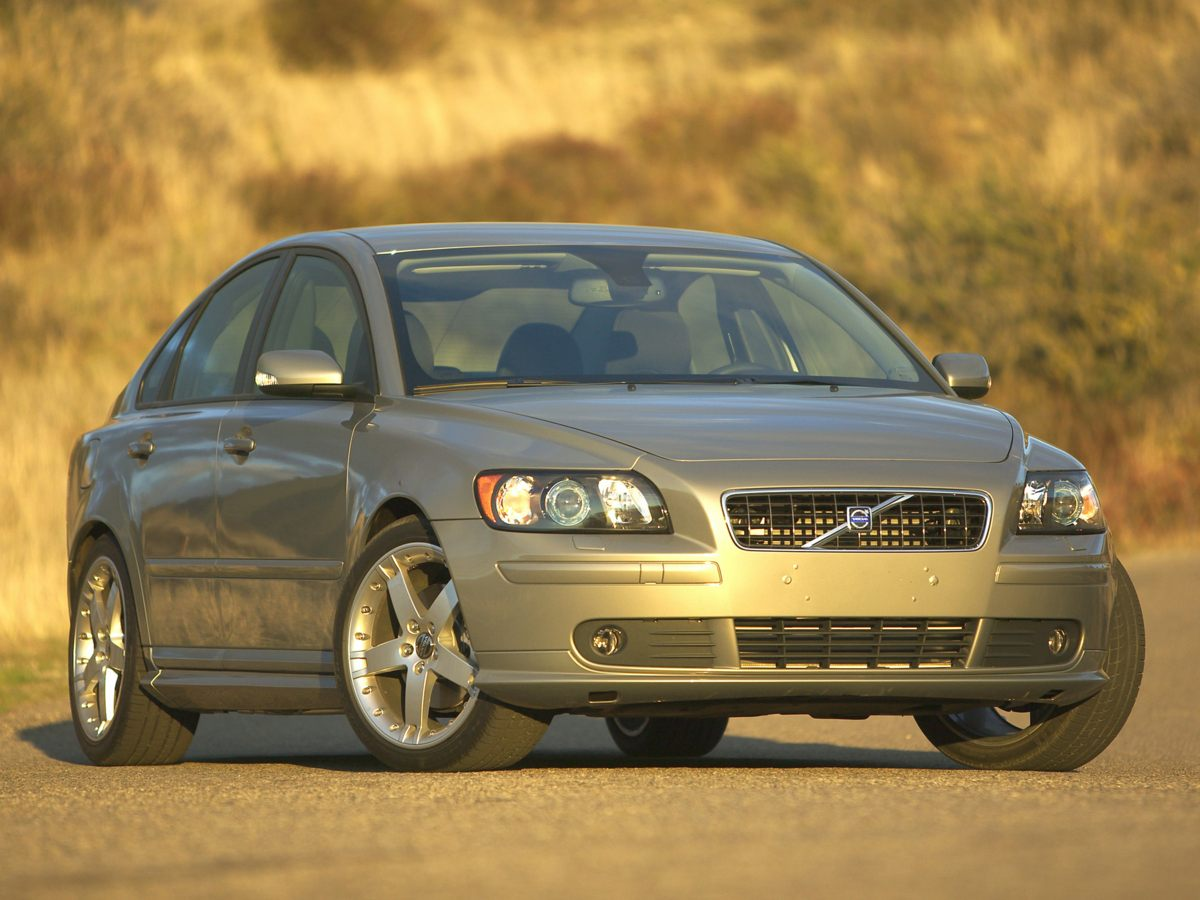 Photo Used 2006 Volvo S40 For Sale in Huntersville NC  Serving Charlotte, Concord NC  Cornelius. VIN YV1MS682962221592
