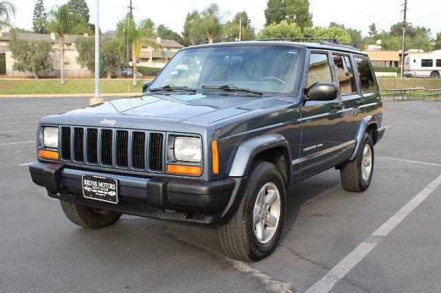 Photo 2001 Jeep Cherokee Sport 4-Door 4WD 4-Speed Automatic