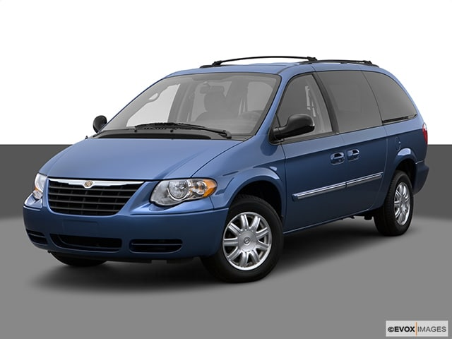 Photo Pre-Owned 2007 Chrysler Town  Country Touring Van in Greenville SC