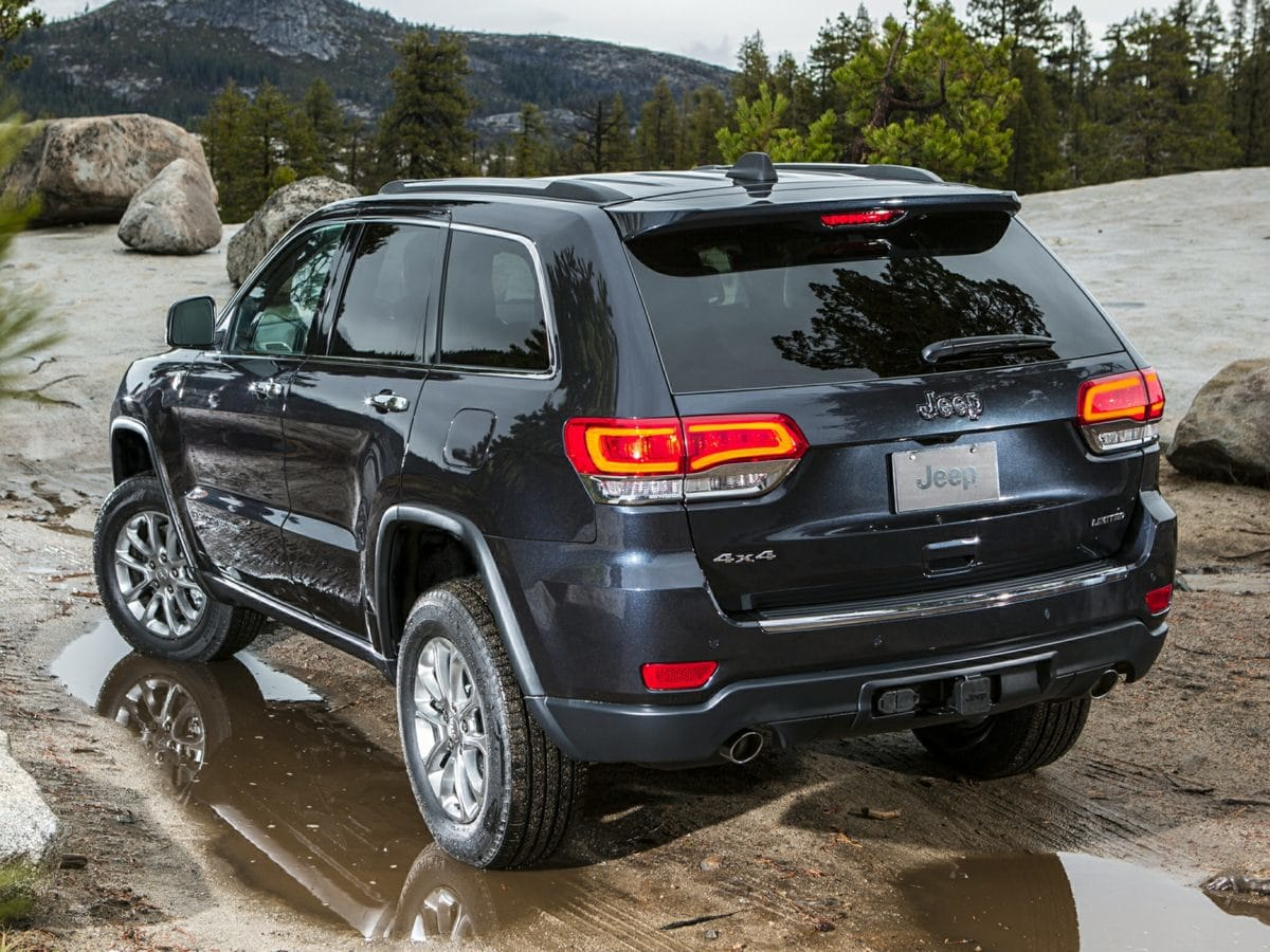 Photo Certified Used 2016 Jeep Grand Cherokee High Altitude SUV in Leesburg