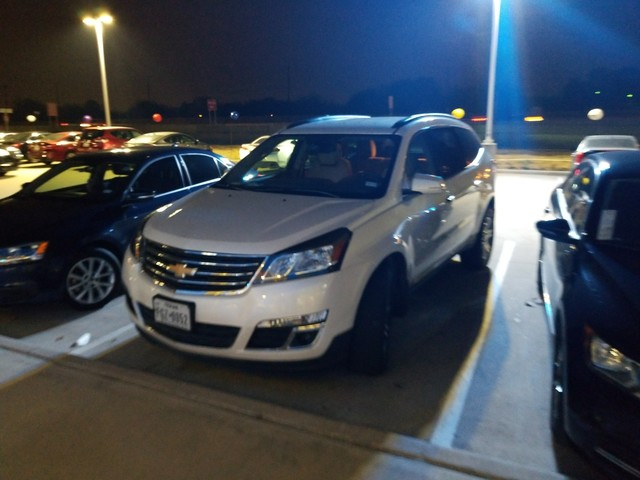 Photo 2015 Chevrolet Traverse LT w2LT SUV Front-wheel Drive in Irving, TX