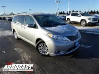 Pre-Owned 2016 Toyota Sienna XLE Premium With Navigation