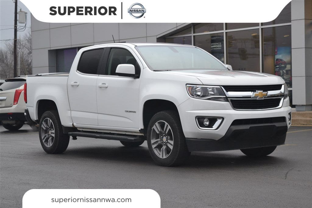 Photo Used 2015 Chevrolet Colorado LT Truck Crew Cab For Sale in Fayetteville, AR