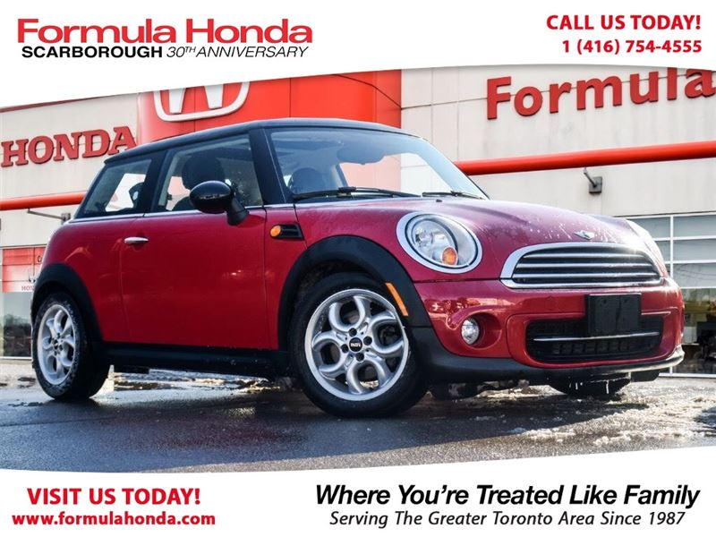 Photo Pre-Owned 2013 MINI Cooper Hardtop 100 PETROCAN CARD NEW YEARS SPECIAL FWD Car