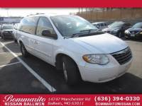 Used 2005 Chrysler Town & Country Touring Van in Ballwin, Missouri