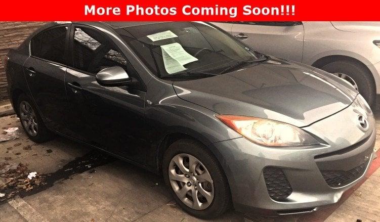 Photo Used 2012 Mazda Mazda3 i Sport A5 Sedan San Antonio, TX