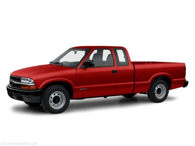 Photo Pre-Owned 2000 Chevrolet S-10 Truck Extended Cab in DeLand FL
