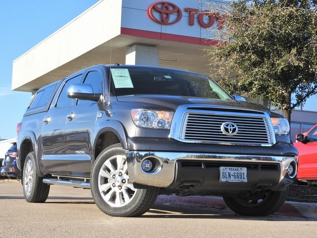 Photo 2012 Toyota Tundra Limited Platinum, Navigation, Sunroof  Leather Truck CrewMax 4x4 4-door