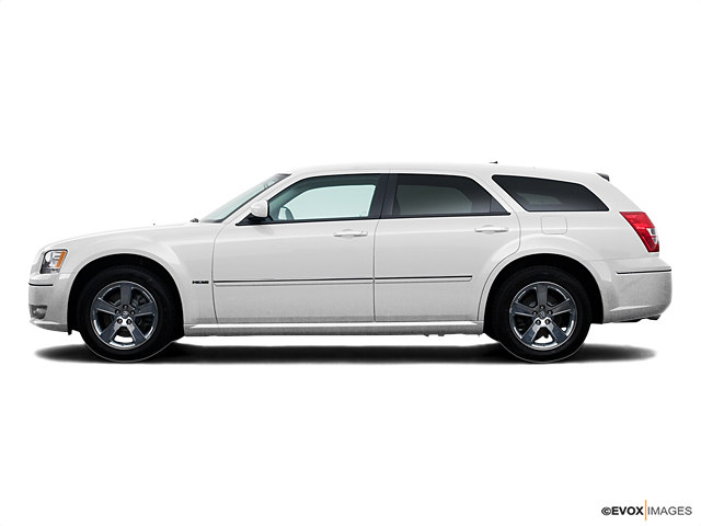 Photo Used 2008 Dodge Magnum 4dr Wgn RWD in Fort Myers