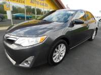 2012 Toyota Camry XLE sun roof low miles very clean