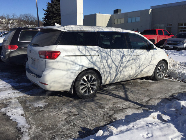Photo 2015 Kia Sedona SX FWD MinivanVan