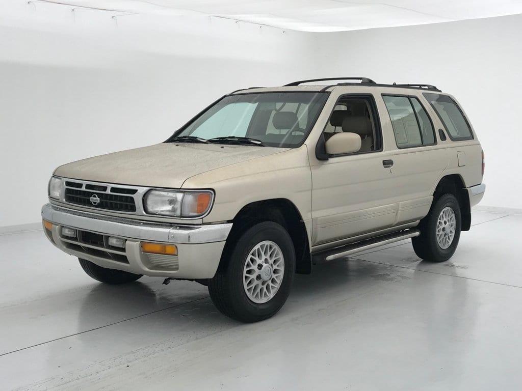 Photo 1998 Nissan Pathfinder XE SUV