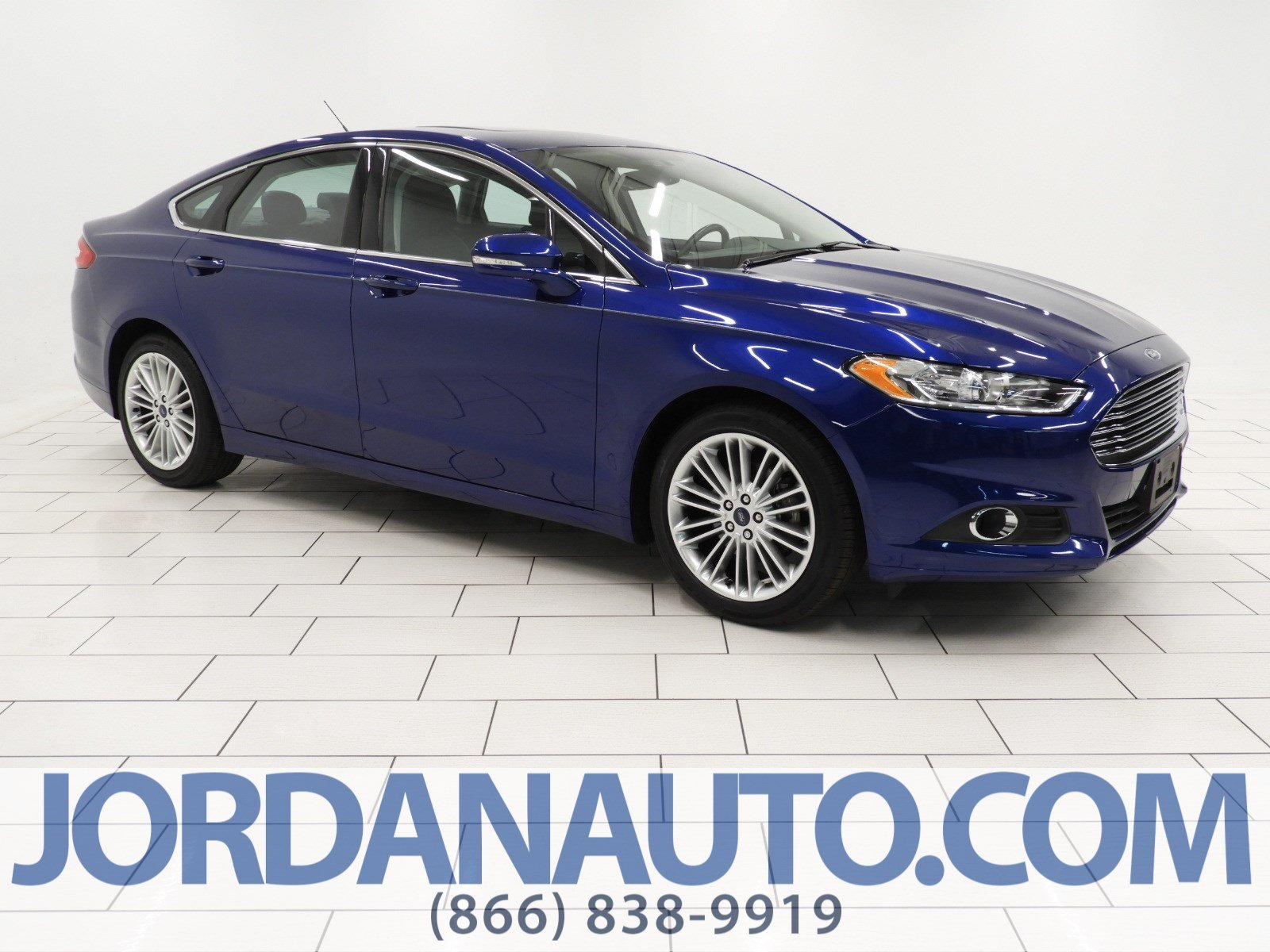 Photo Used 2016 Ford Fusion SE Sedan for Sale in Greenville, TX