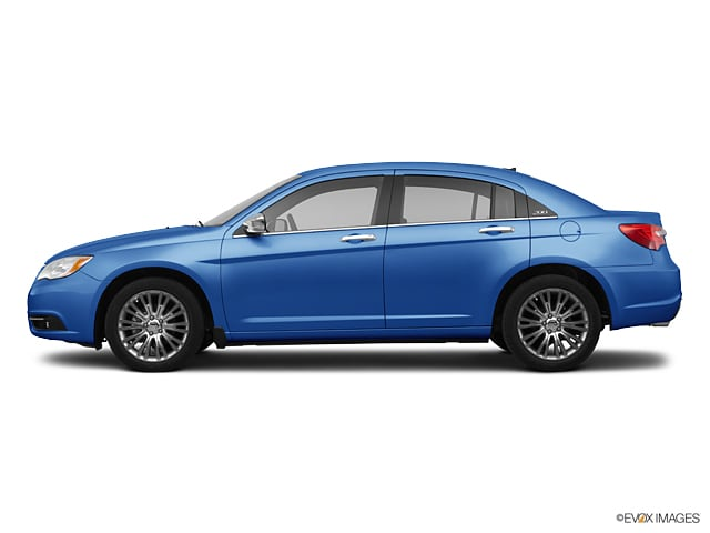 Photo Used 2011 Chrysler 200 Limited for sale in Glen Mills PA