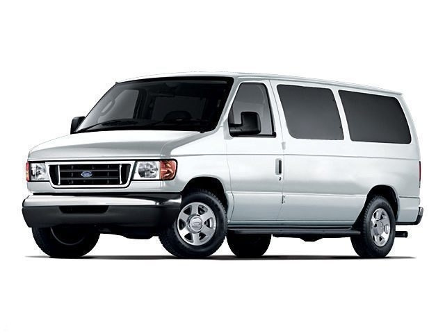 Photo Used 2005 Ford Econoline Wagon XLXLT Full-size Passenger Van For Sale St. Clair , Michigan