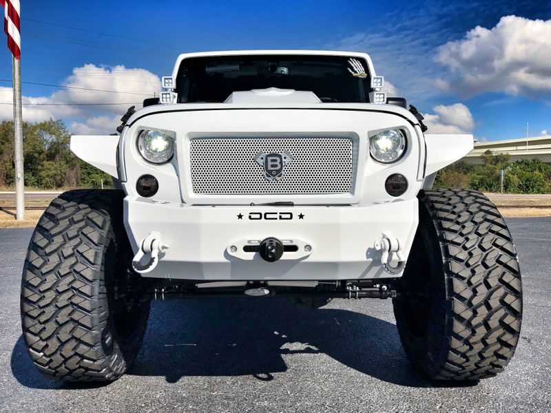 Photo Used 2018 Jeep Wrangler JK Unlimited RUBICON BLIZZARD WHITE-OUT