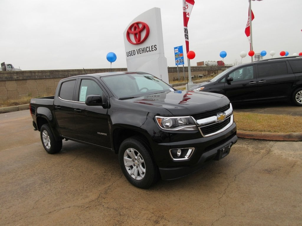 Photo Used 2016 Chevrolet Colorado LT Truck 4WD For Sale in Houston