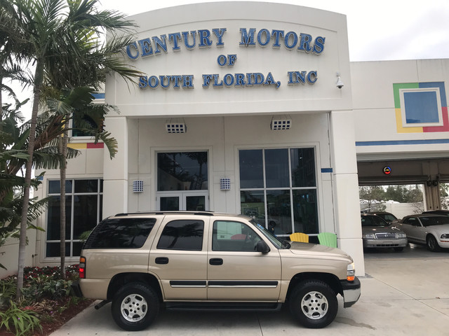 Photo 2005 Chevrolet Tahoe LS 2 Owner CarFax Tow Hitch 4 New Tires RWD