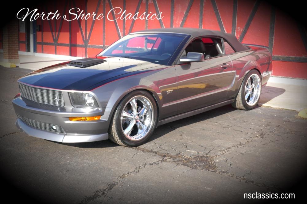 Photo 2006 Ford Mustang -SUPER CHARGED V8-GT - CONVERTIBLE - ONE OWNER- ORIGINAL MILES - SEE VIDEO