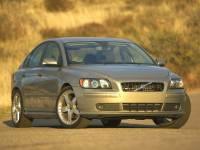 PRE-OWNED 2005 VOLVO S40 2.4I FWD 4D SEDAN