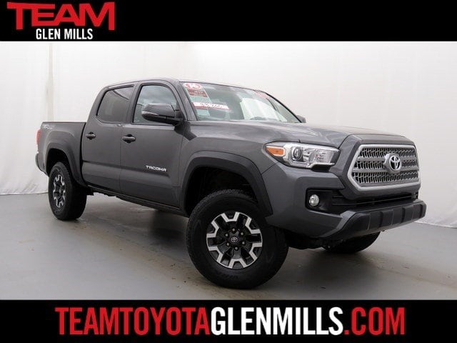 Photo Certified Used 2016 Toyota Tacoma TRD Off Road V6 for sale in Glen Mills PA
