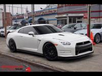2016 Nissan GT-R Premium White ON Red