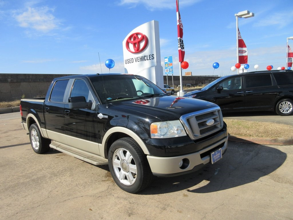 Photo Used 2007 Ford F-150 King Ranch Truck RWD For Sale in Houston
