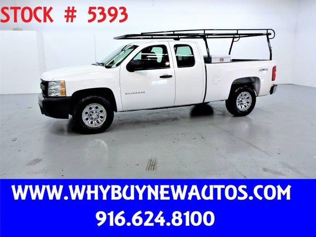 Photo 2013 Chevrolet Silverado 1500  4x4  Extended Cab  Only 65K Miles