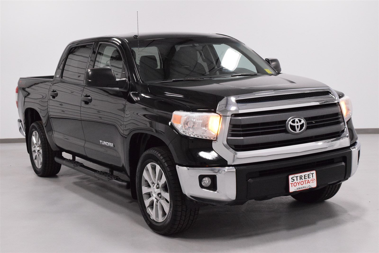 Certified Pre-Owned 2014 Toyota Tundra SR5 RWD Crew Cab Pickup
