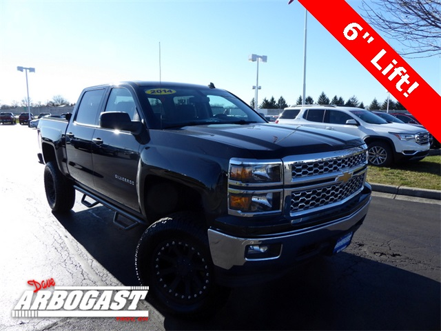 Photo Pre-Owned 2014 Chevrolet Silverado 1500 Lifted 4WD
