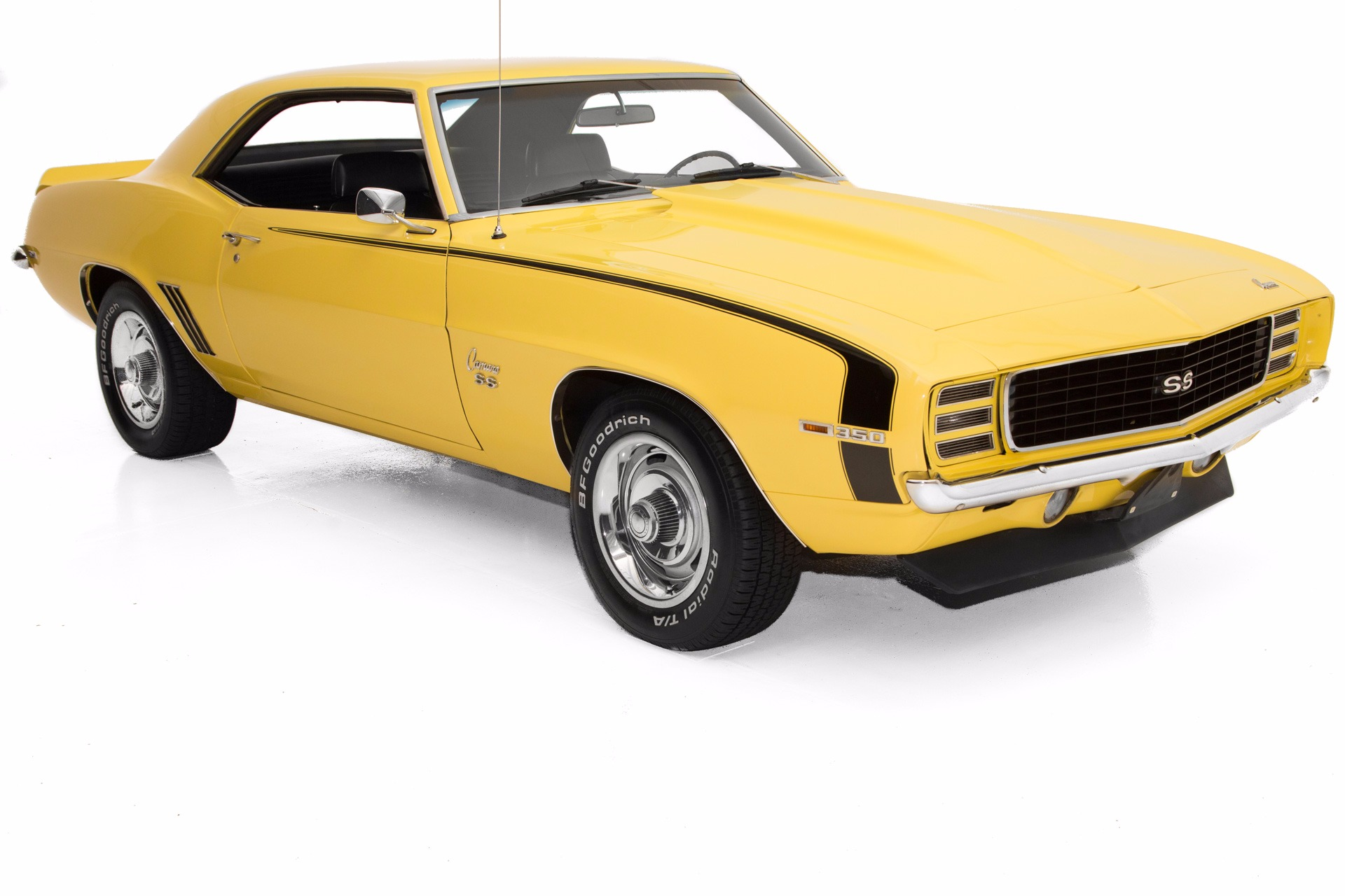 1969 Chevrolet Camaro Daytona Yellow RS