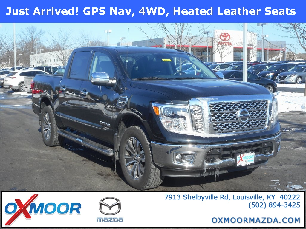 Photo Pre-Owned 2017 Nissan Titan SL with Navigation  4WD