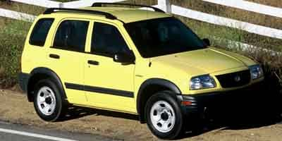 Photo Pre-Owned 2004 Suzuki Vitara