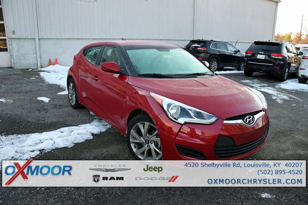 Pre-Owned 2016 Hyundai Veloster Base FWD 3D Hatchback