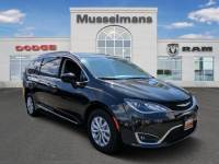 Used 2017 Chrysler Pacifica Touring-L Van Near Baltimore