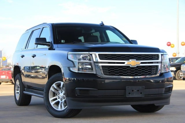 Photo Used 2017 Chevrolet Tahoe LT 4X4 THIRD ROW LEATHER LUXURY PERFECT IN AND OUT in Ardmore, OK