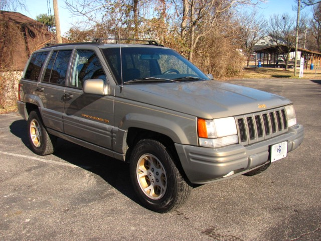 Photo 1997 Jeep Grand Cherokee Limited 4WD