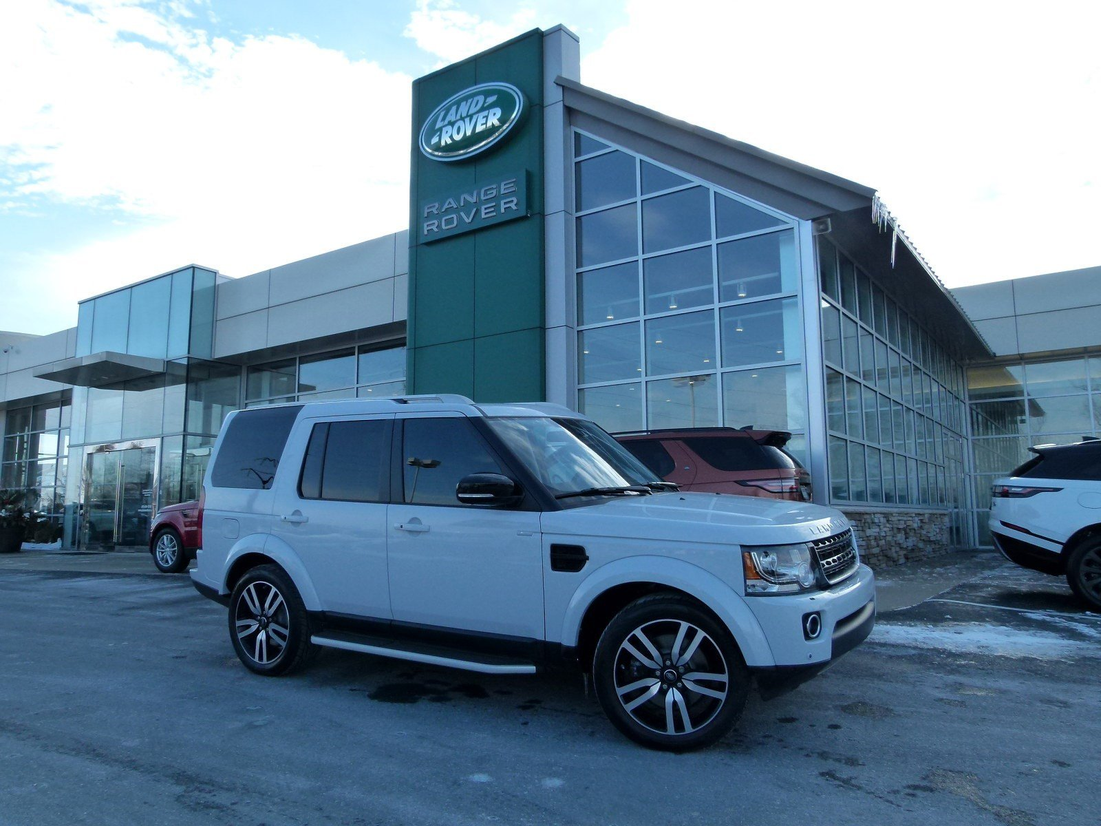 Pre-Owned 2016 Land Rover LR4 HSE LUX Landmark Edition Four Wheel Drive Sport Utility