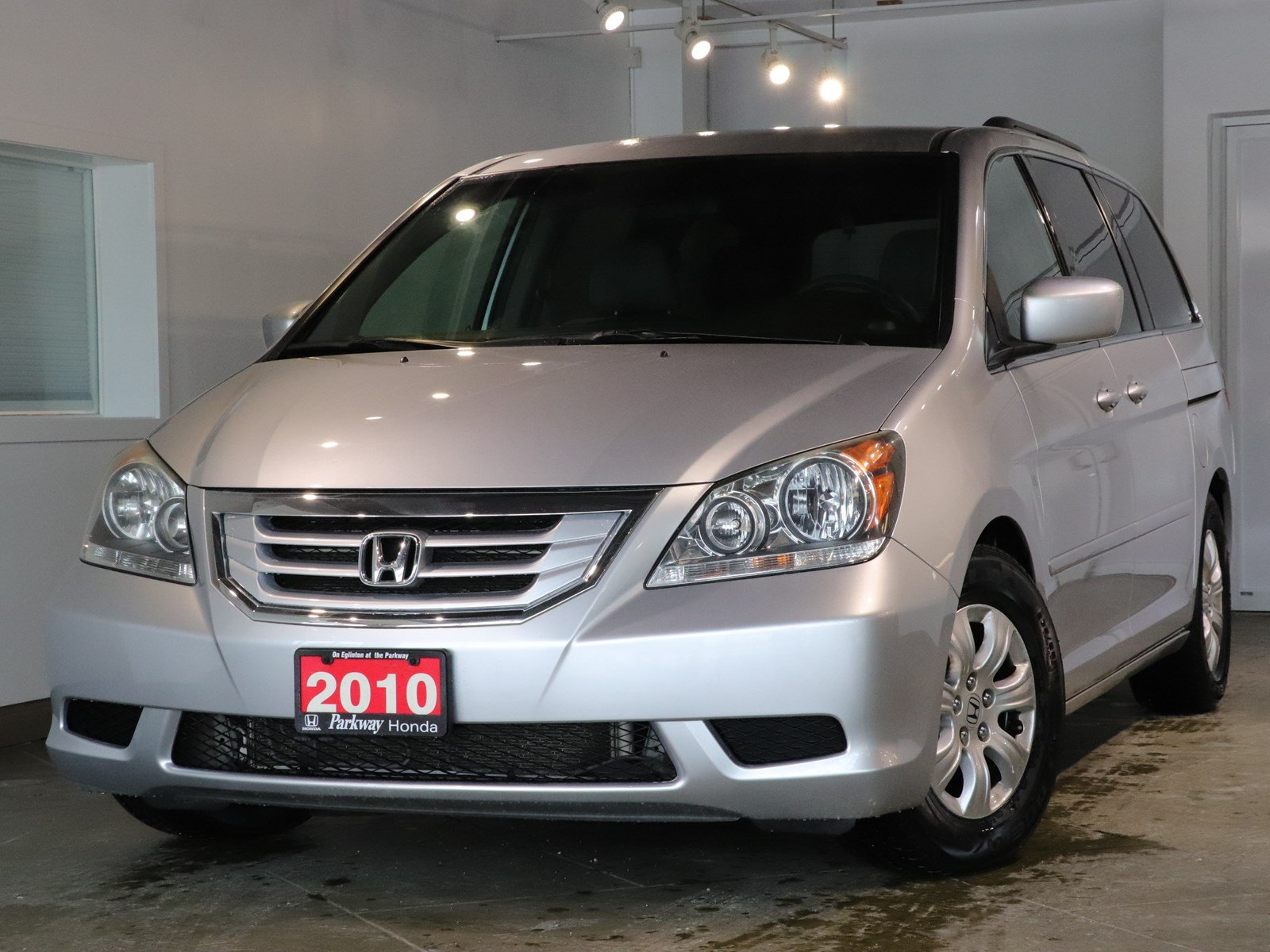 Pre-Owned 2010 Honda Odyssey SE - ON HOLD (not available for sale) FWD Mini-van, Passenger