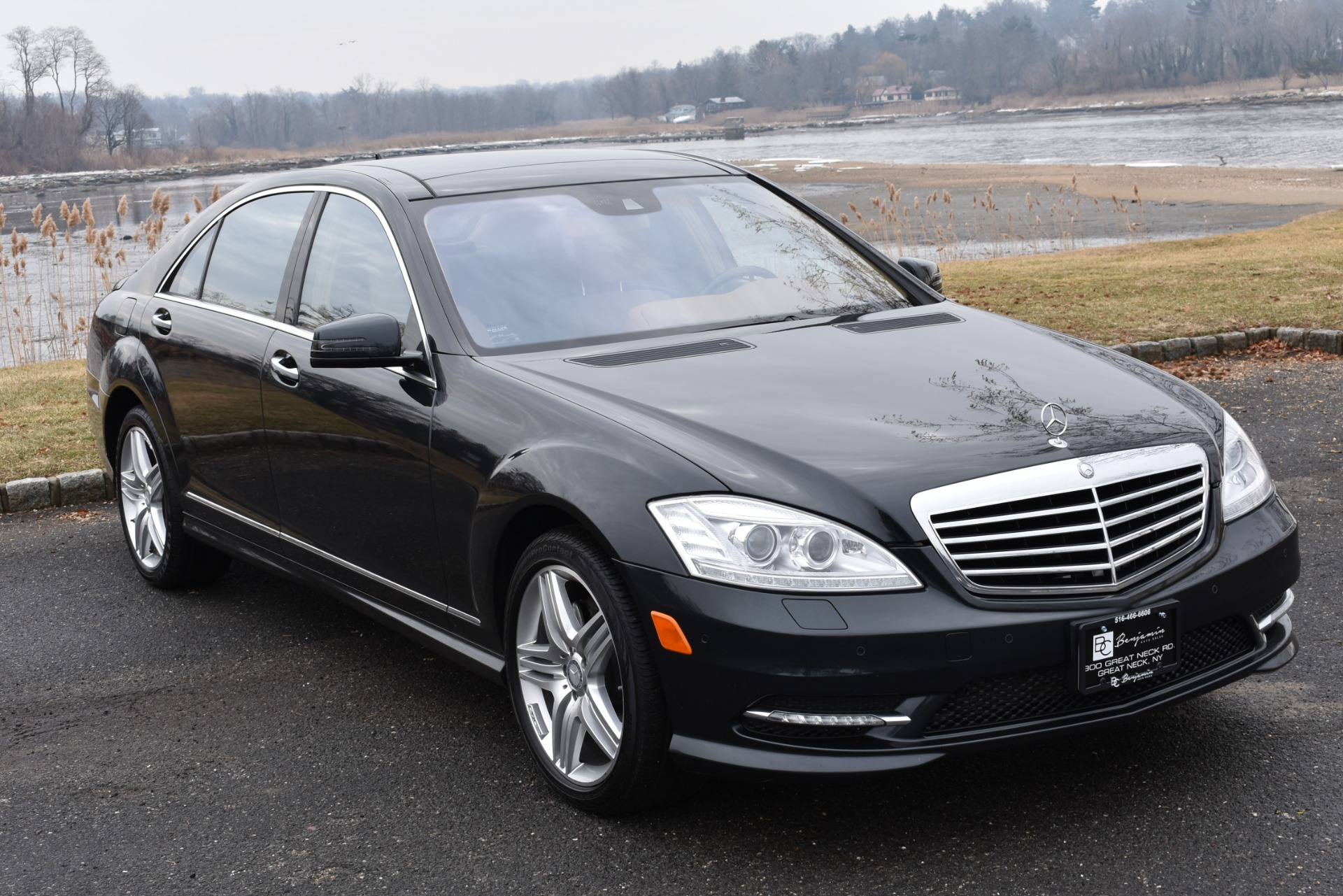 Photo 2013 Mercedes-Benz S-CLASS S 550 4MATIC SPORT PKG AMG MINTY