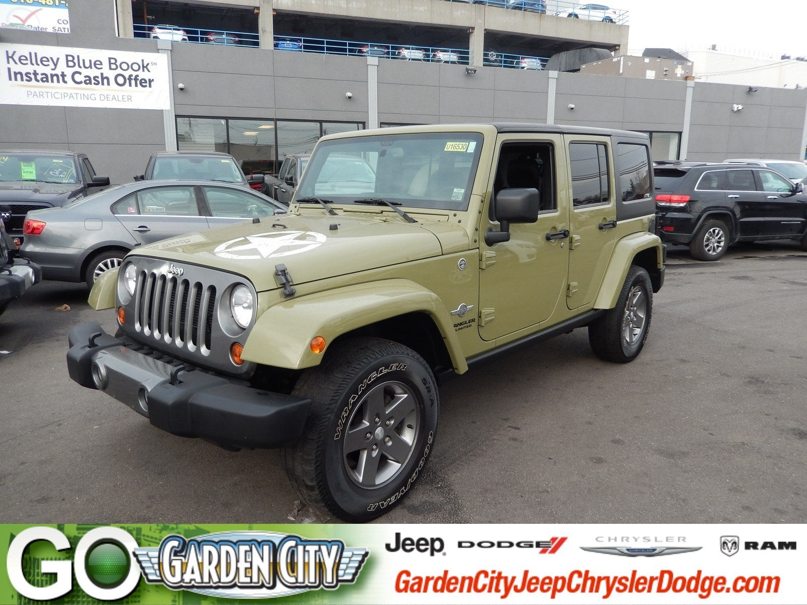 Photo Used 2013 Jeep Wrangler Unlimited Freedom Edition 4WD Freedom Edition Ltd Avail For Sale  Hempstead, Long Island, NY