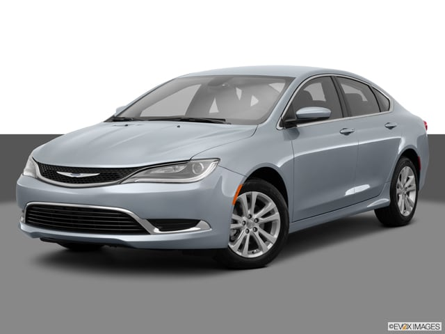 Photo Used 2015 Chrysler 200 Limited Sedan Automatic Front-wheel Drive in Chicago, IL
