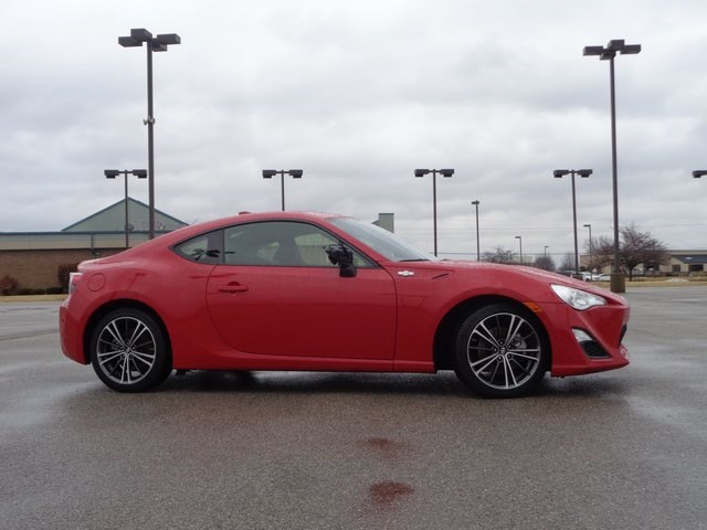 Photo 2015 Scion FR-S Coupe Rear-wheel Drive